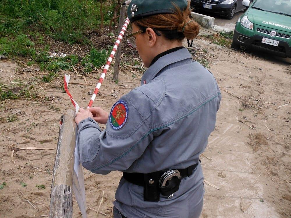 Discarica abusiva in una cava: scoperti oltre 12 mila metri cubi di rifiuti