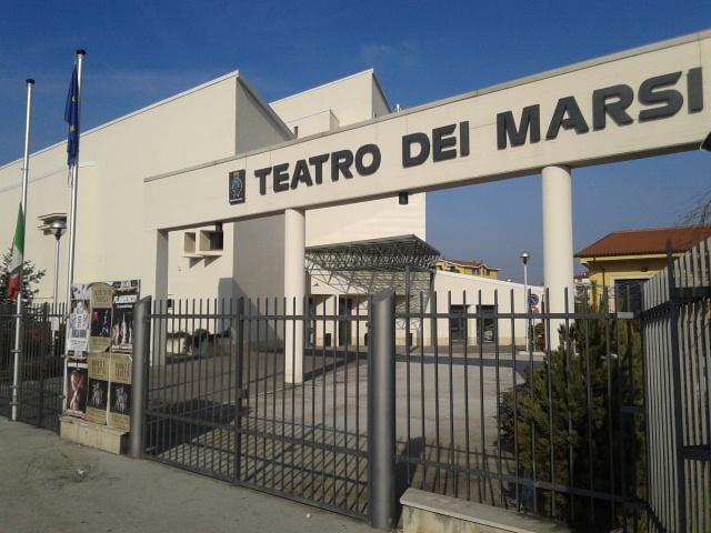 Teatro dei Marsi, premiazione degli studenti diplomati con il massimo dei voti