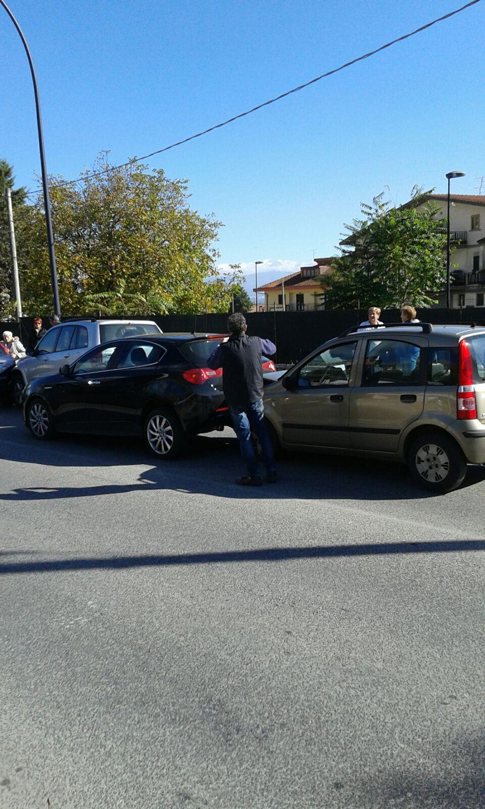 Maxi tamponamento ad Avezzano: coinvolte tre auto