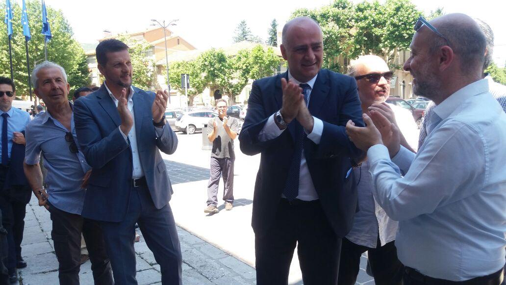"""Di Pangrazio chiama i carabinieri per le serrature cambiate in Comune. La colazione """"Insieme"""": """"Ci ha pensato il segretario generale"""""""