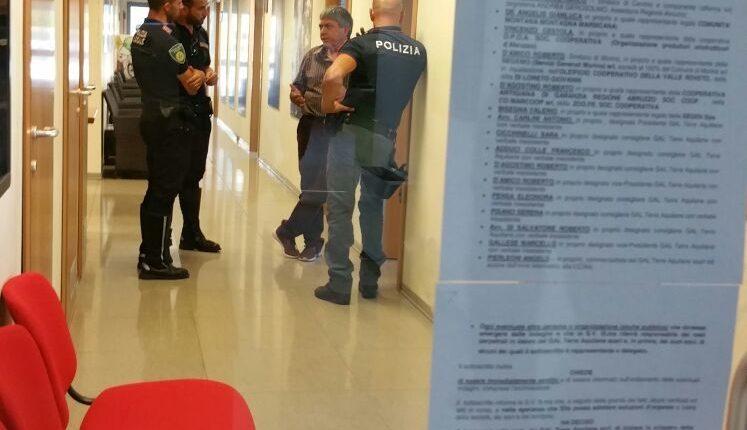 Polizia acquisisce atti nella sede del Gal e Cicchinelli pone fine allo sciopero della fame