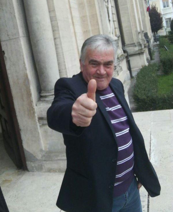 Luigi Ottavianelli, storico custode del Tribunale di Avezzano, compie oggi 66 anni
