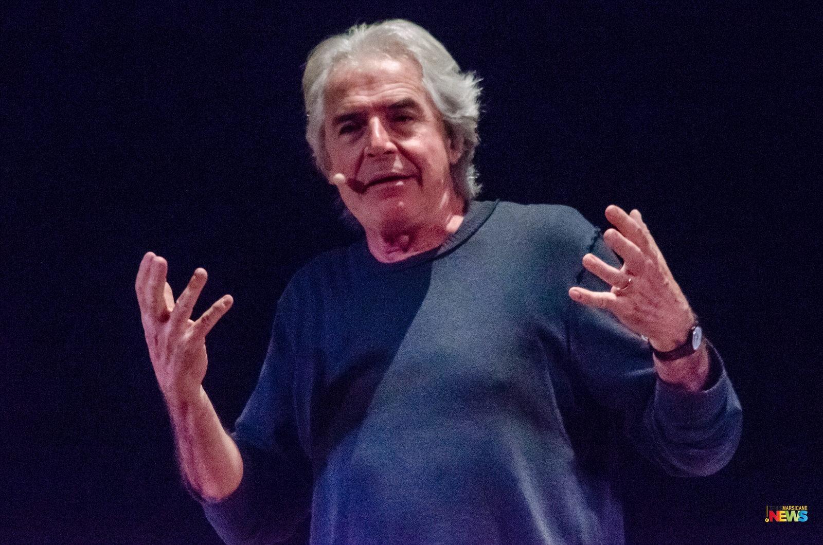 Tullio Solenghi incanta il pubblico del Teatro Talia