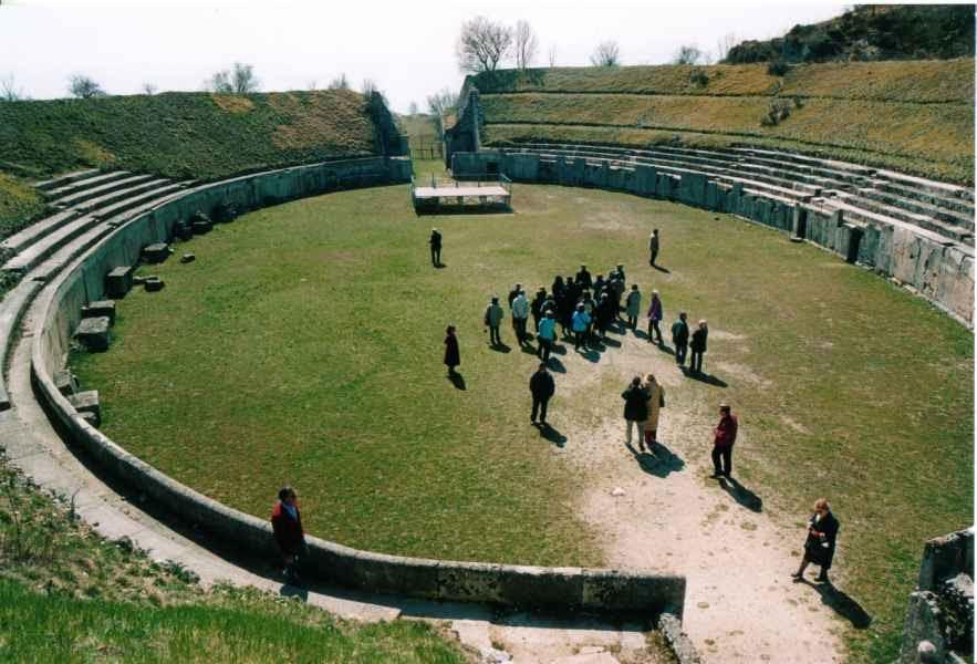 """L'Archeoclub Marsica presenta la conferenza su """"Alba Fucens e l'ager albensis: colonie e centuriazione, tra antiche emergenze e moderne persistenze"""""""