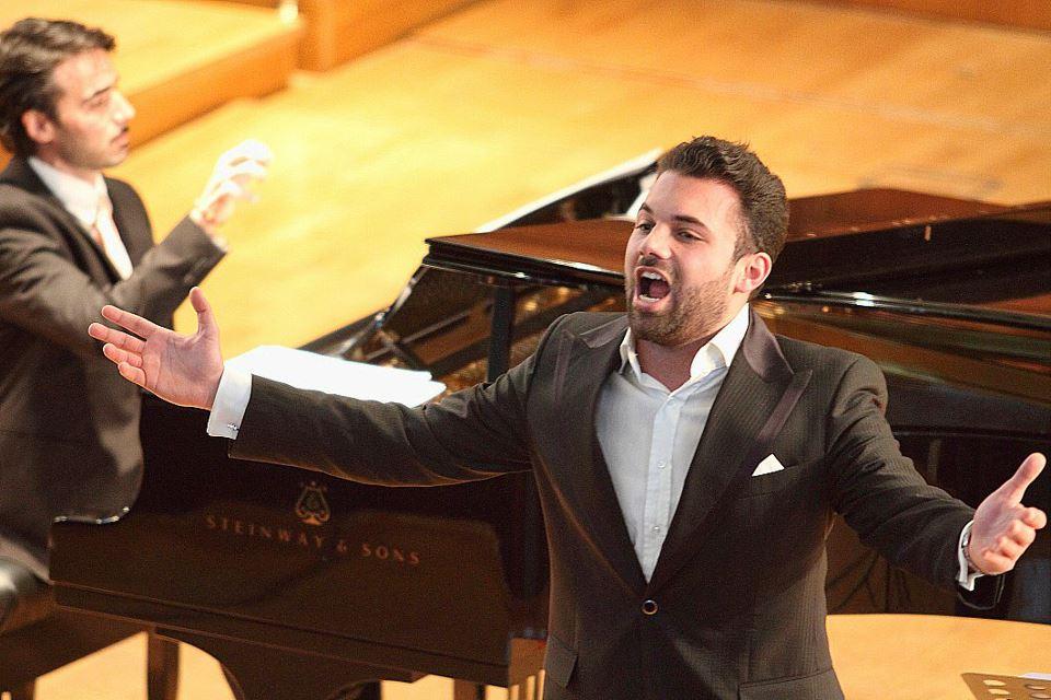 Aleandro Mariani trionfa al teatro dell'opera di Roma con il progetto La Fabbrica