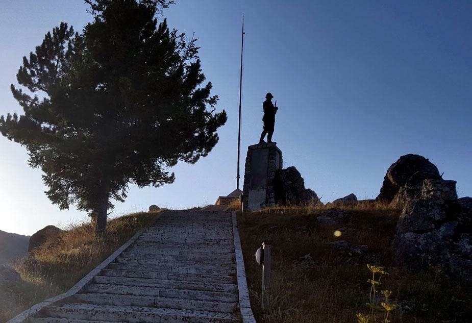"""Ovindoli Oltre """"Le lapidi del monumento ai caduti potevano essere semplicemente restaurate"""""""