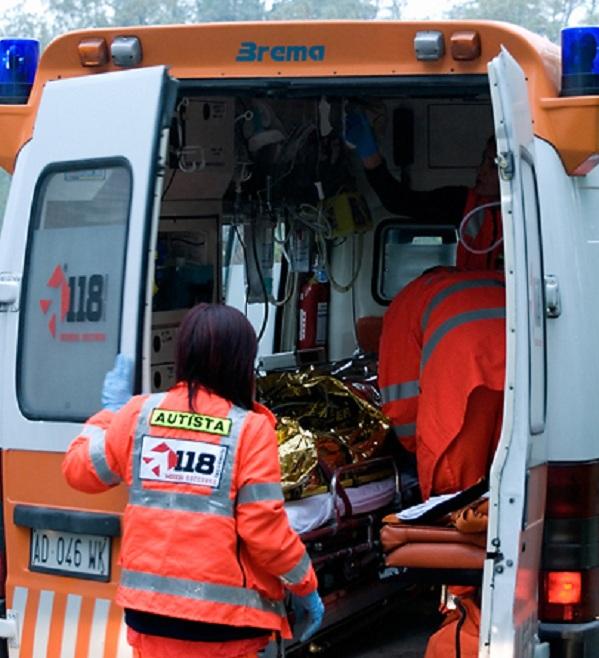Svincolo di Magliano, investito un ciclista. Trasportato in ospedale, è sotto osservazione