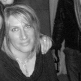 """Malata di tumore, è stata licenziata. La sorella: """"Prima di morire, oltre al dolore della malattia anche quello per aver perso il lavoro"""""""