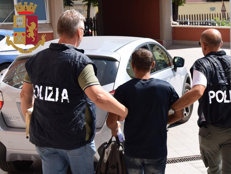 """La polizia arresta """"Arsenio Lupin"""" dei furti a bar e tabaccherie"""