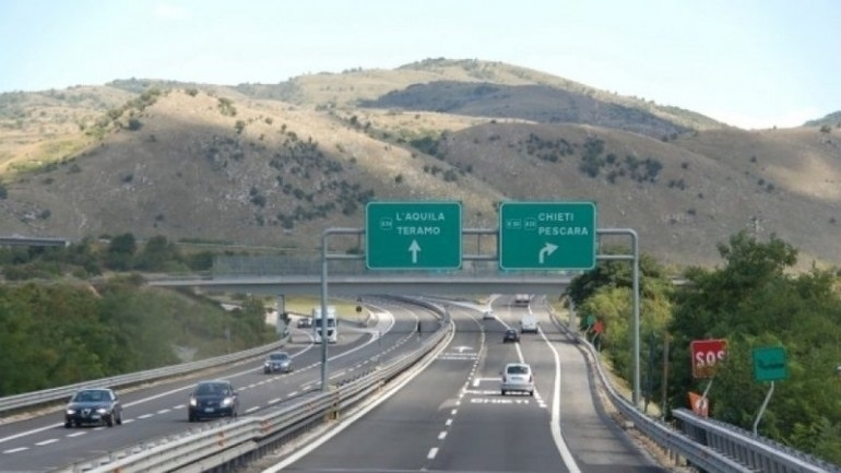 Limitazioni per Tir e pullman su autostrada A24 e A25, PD integrazione con la mobilità ferroviaria