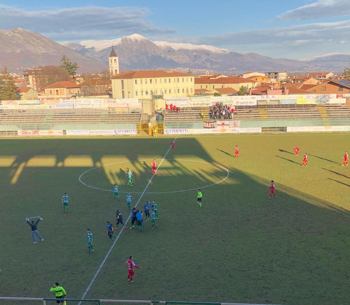 L'Avezzano batte la Vastese nel derby grazie al gol di Padovani