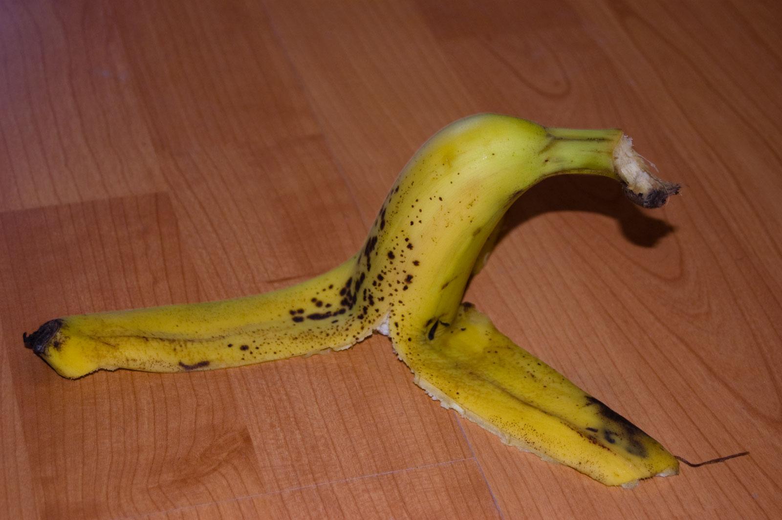 Castellafiume, ladri golosi di banane in casa di un'anziana