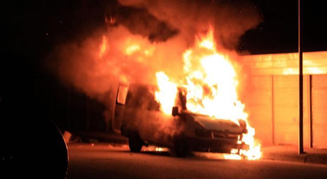 Avezzano, incendiato un camioncino