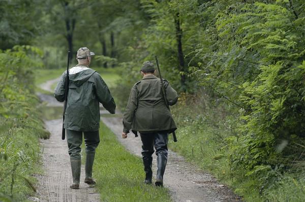 La stagione venatoria in Abruzzo si apre con il solito regalo ai cacciatori: preapertura 5 e 6 settembre su alcune specie