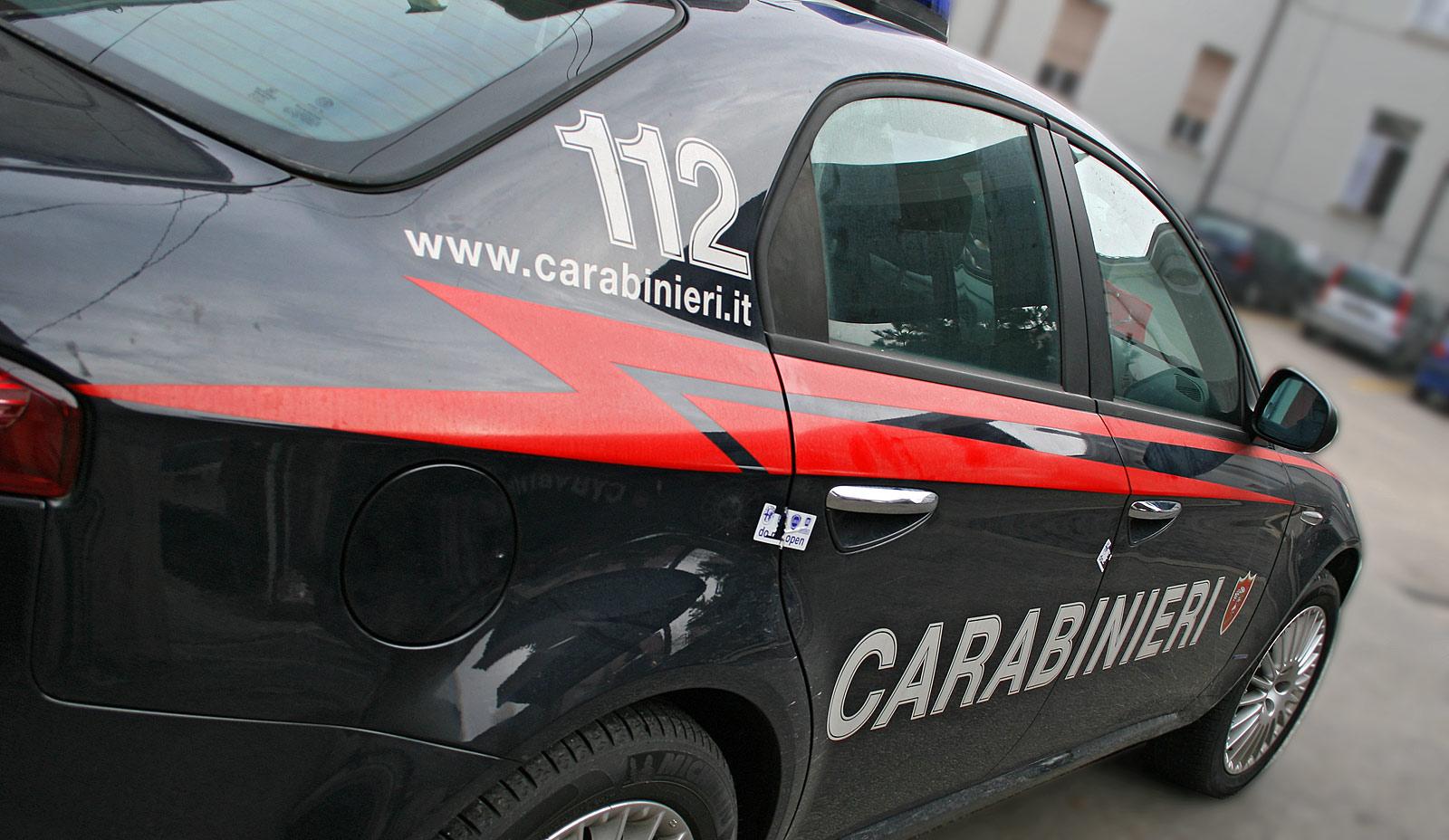 Controlli straordinari in occasione delle festività natalizie, i carabinieri arrestano un ventiseienne