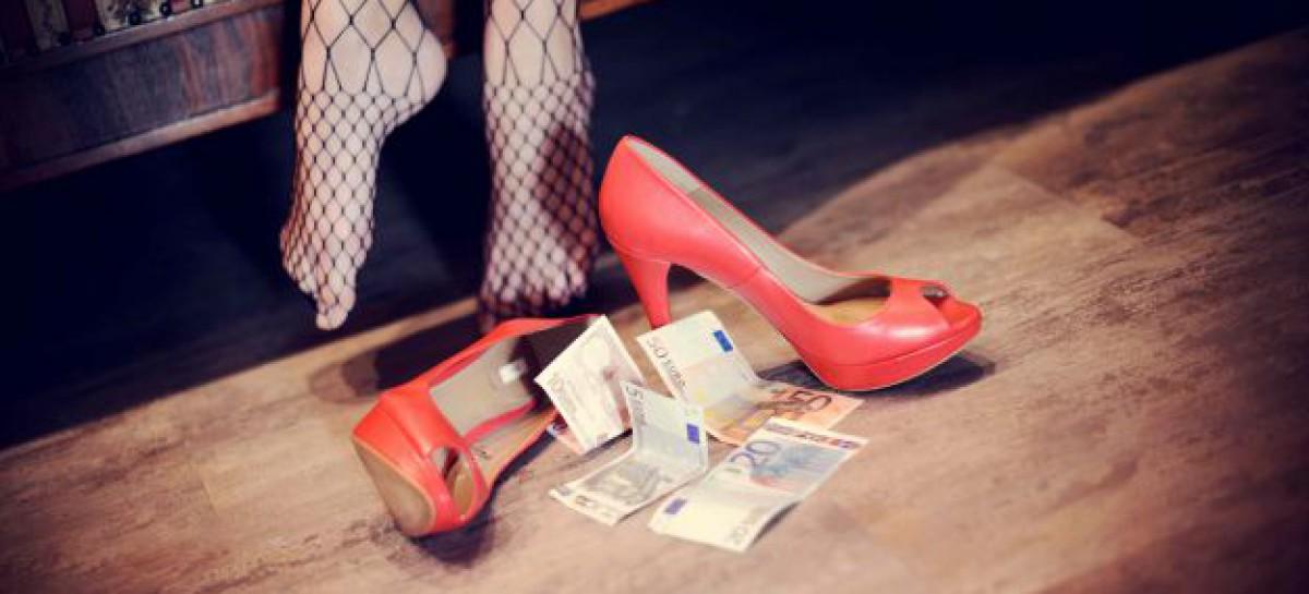 Scoperta dalla Polizia casa di appuntamento con prostitute e trans ad Avezzano