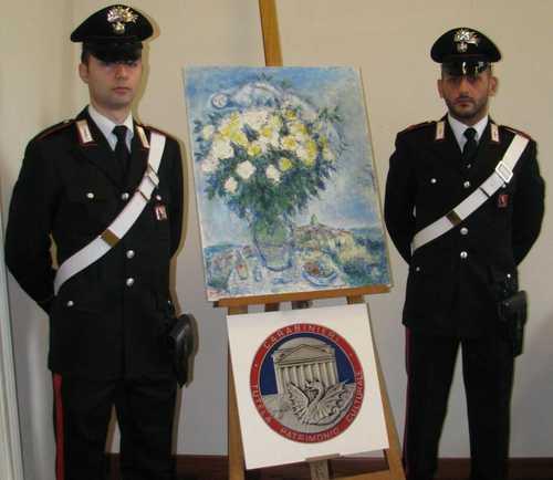 Tenta di vendere quadri a una galleria d'arte. Maxi sequestro dei carabinieri