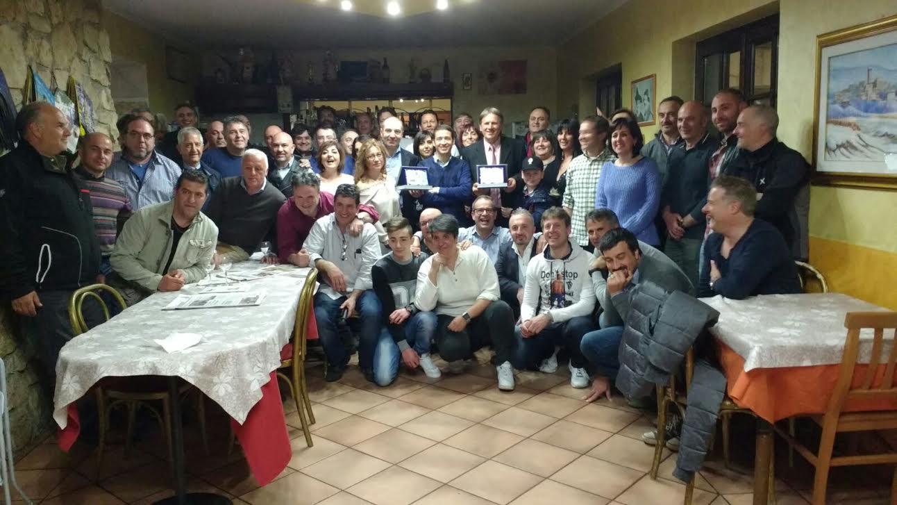 Poliziotti in pensione dopo 37 anni di servizio, cena tra ricordi