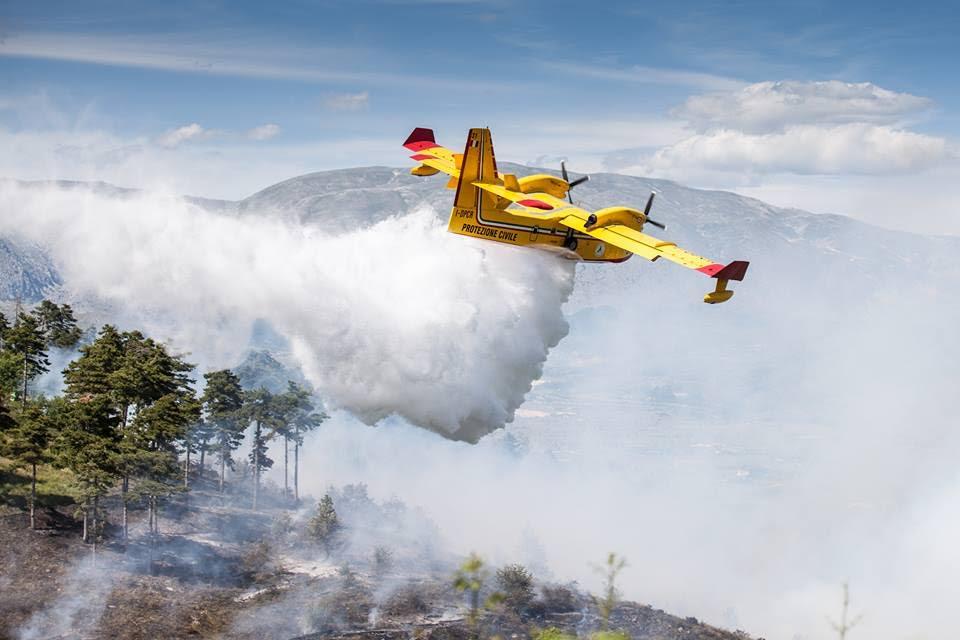 Quando la pioggia 'miracolosa' spense l'incendio sul Monte Salviano