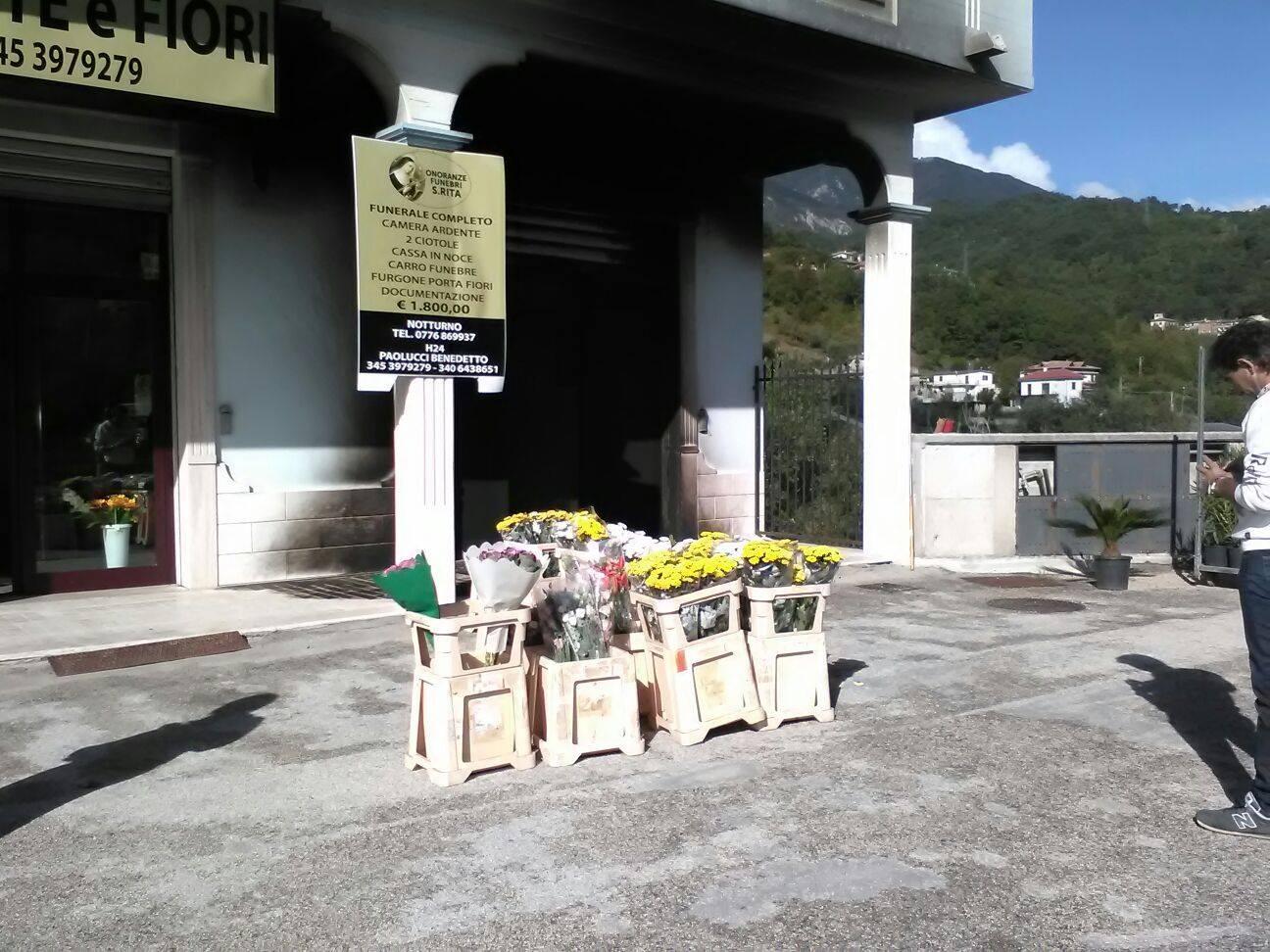 Civitella Roveto, attentato incendiario al nuovo negozio di fiori
