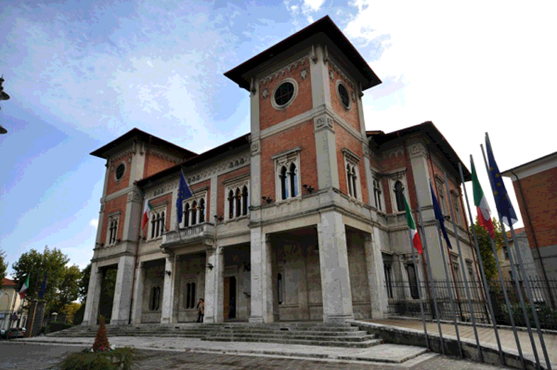 """Il Comune di Avezzano mette in vendita il """"parco"""" automezzi"""