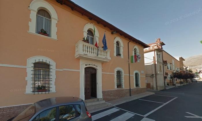 Dispone la demolizione di due canne fumarie: Comune di Aielli condannato dal Tar