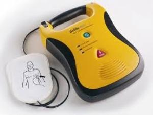 San Benedetto dei Marsi, l'Avis comunale dona un defibrillatore alla comunità