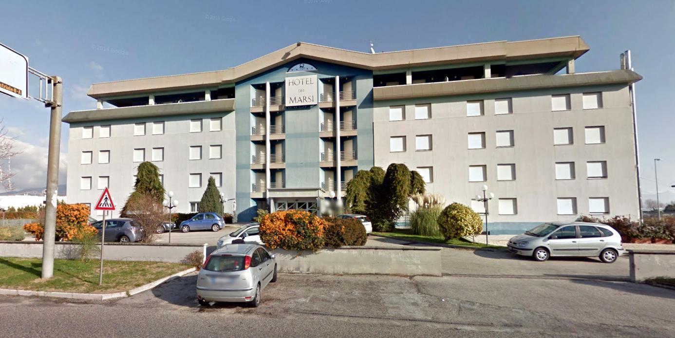 """Residenza per anziani all'ex hotel. Aimola risponde alla Mazzocchi: """"La sala convegni è regolarmente aperta"""""""