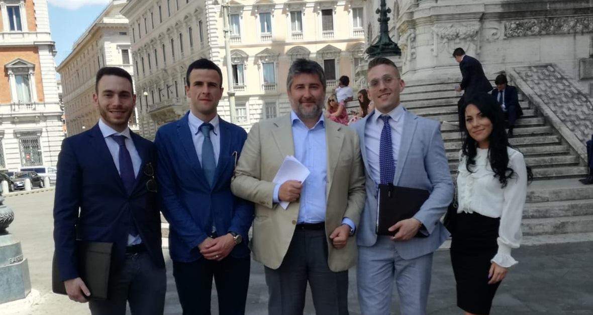 La Delegazione Avezzanese di Forza Italia Giovani incontra l'On. Antonio Martino