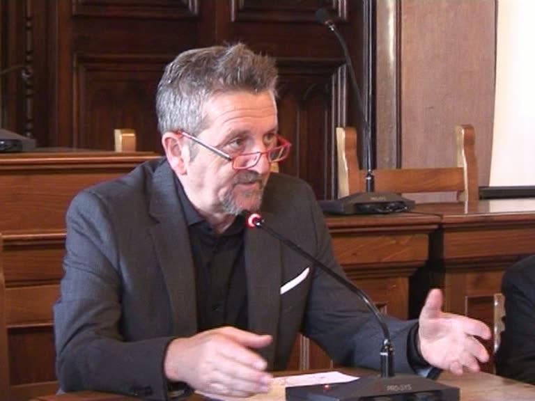 "Di Pangrazio a De Angelis: ""La città è ferma a causa tua"""