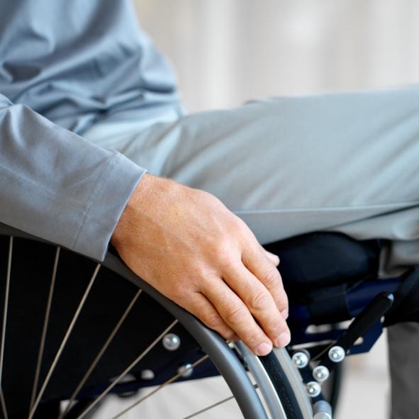 Esigenze di cura e terapia per i disabili, a Celano il Comune pubblica un avviso per il trasporto gratuito