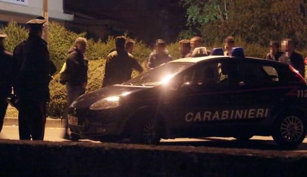 Non si ferma all'alt dei Carabinieri e picchia un militare, a processo