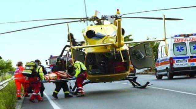 Incidente sulla A24: muore operaio