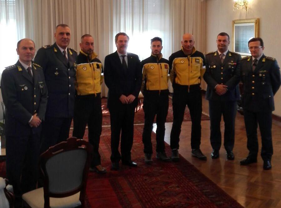 Il prefetto Provolo plaude ai finanzieri del soccorso alpino, tra i primi soccorritori nella tragedia di Rigopiano