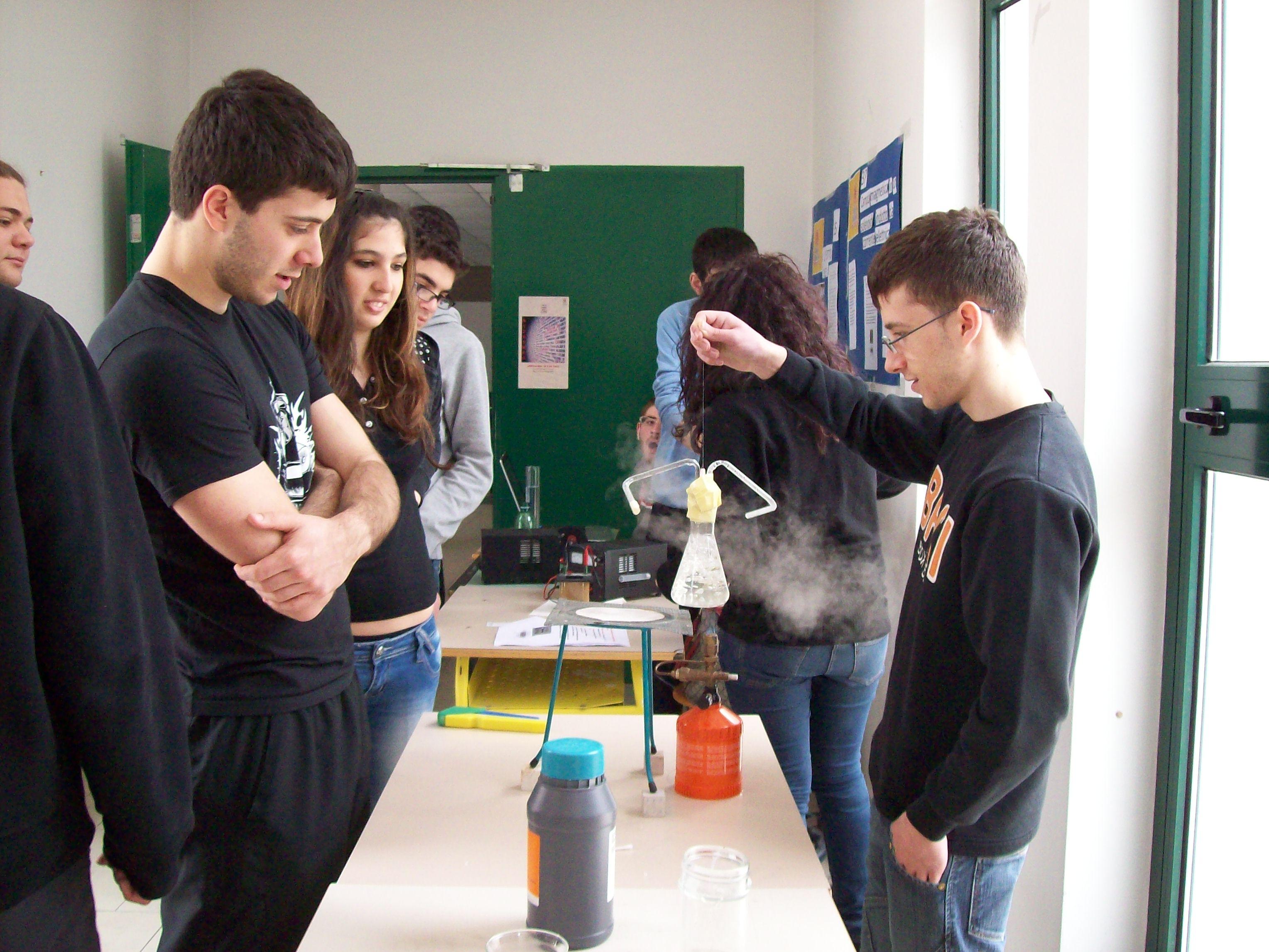 Tutto pronto al Liceo Scientifico per la tredicesima edizione della settimana della cultura scientifica e tecnologica