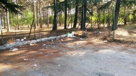 """Di Bastiano:""""Il bivacco e la latrina al parcheggio della pineta sono conseguenza del mancato controllo del territorio"""""""
