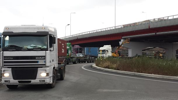 Accertato cartello dei costruttori camion dal 1997 al 2011, possibilità di richiesta risarcimento dei danni da parte dei camionisti