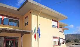 """Scuola chiusa a Capistrello, l'opposizione: """"Vicenda assurda e ingiustificabile"""""""