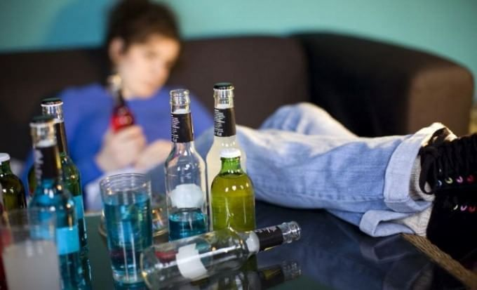 Alcol, in provincia dell'Aquila il consumo più alto della regione