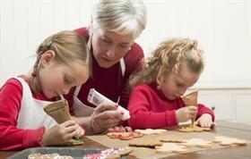 A Villa Alba di Canistro nonni insegnano a ricamare e cucinare ai bambini