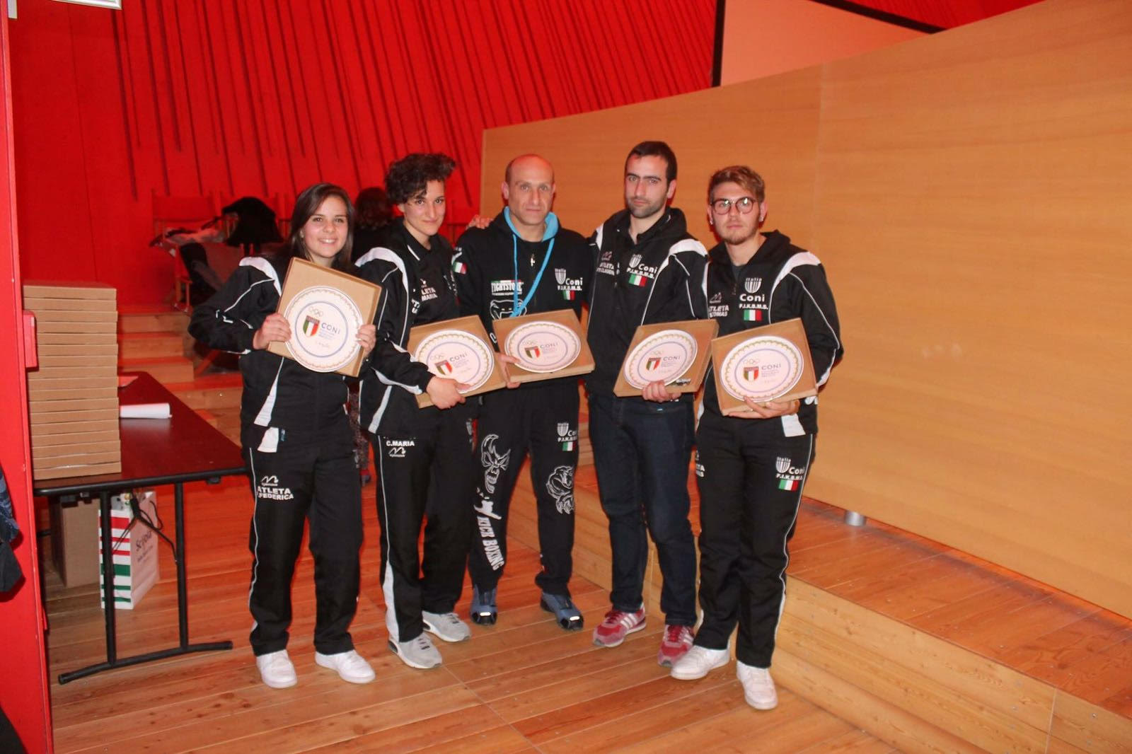 KO Team kickboxing Trasacco: il coach Maurizio Pollicelli e i suoi atleti premiati dal Coni
