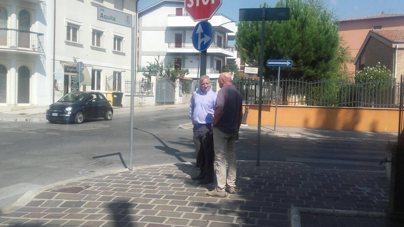 Sopralluogo del Comune all'incrocio tra via Aquila e via Nicola Di Lorenzo, in valutazione l'installazione di un semaforo