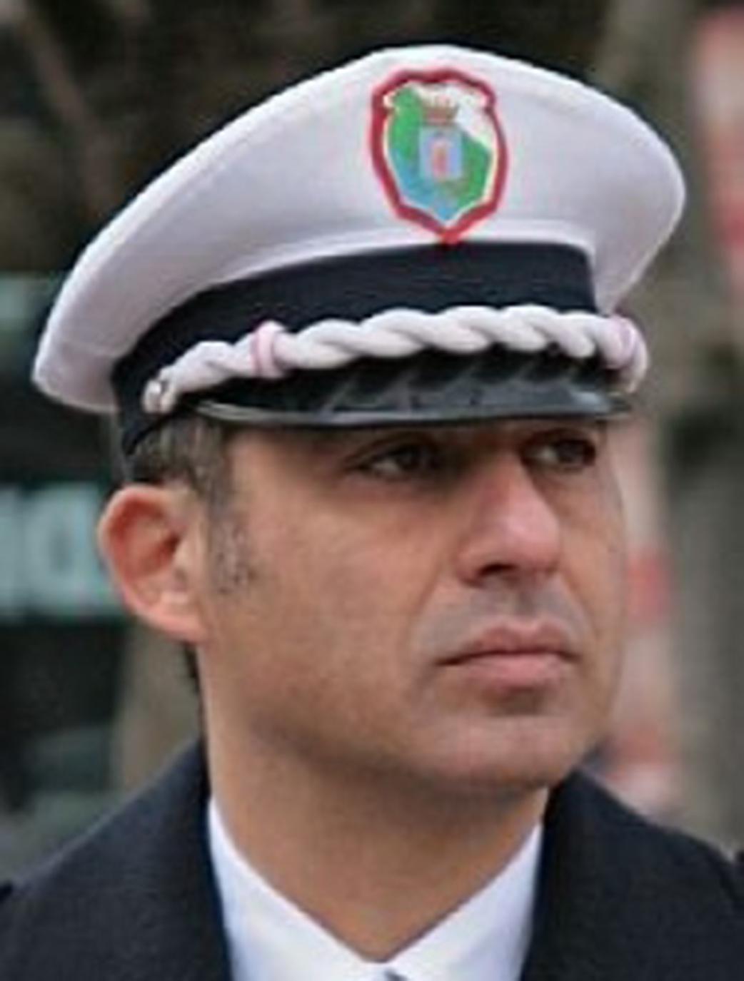 Il comandante Montanari su cottura carne non lontano dalla stazione di Avezzano