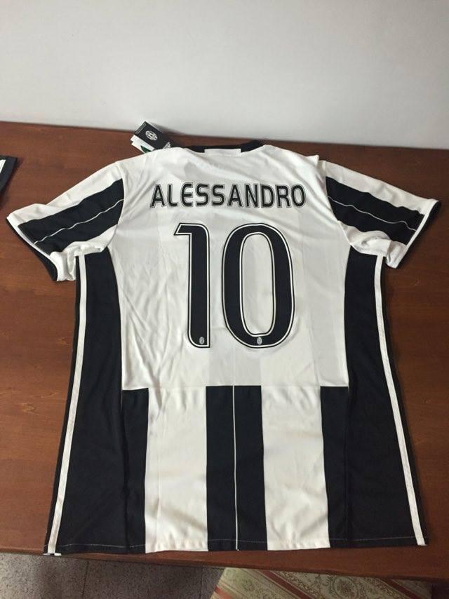 Memorial Giancarli, lo Juventus Club dona maglia alla famiglia