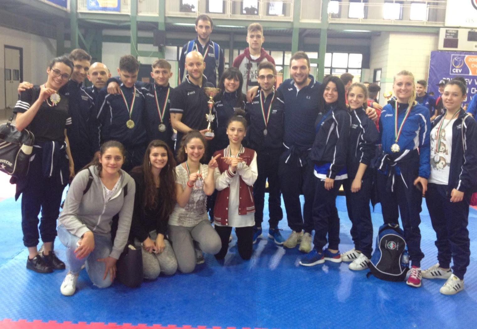 """La""""Fighter Taekwondo Di Venanzio"""" conquista 12 medaglie all' """"Open interregionale Campania 2016"""""""