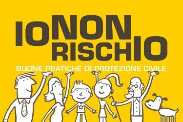 """""""Io non rischio"""", volontari della Protezione Civile in Piazza a Magliano de'Marsi"""