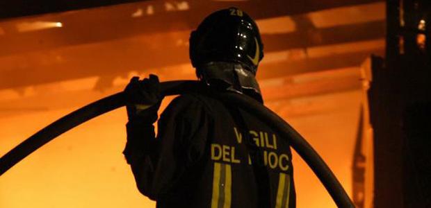Auto data alle fiamme nella notte ad Avezzano