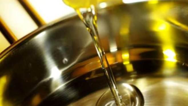 Parte a Collarmele il servizio di raccolta porta a porta degli oli vegetali domestici