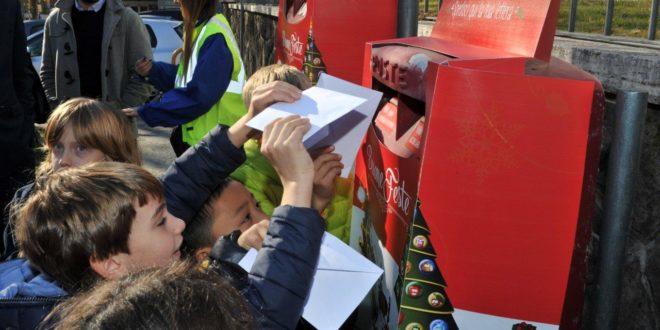 Avezzano, allestita una speciale cassetta natalizia nell'ufficio postale di via Marconi