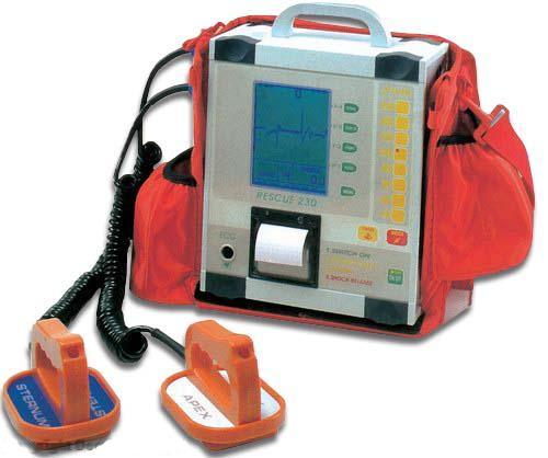 Il gruppo Fratres dona defibrillatore all'Istituto Comprensivo di Magliano dei Marsi